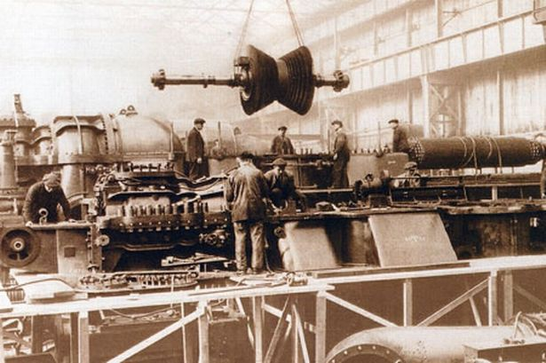 assembling-a-turbine-generator-in-1926-658454411
